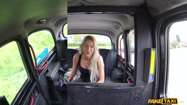 Karol Lilien deceived to have sex in Fake Taxi Video thumb #0