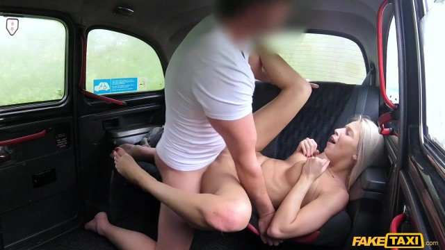 Karol Lilien deceived to have sex in Fake Taxi Video thumb #9