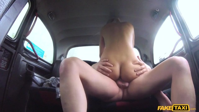 Karol Lilien deceived to have sex in Fake Taxi Video thumb #12