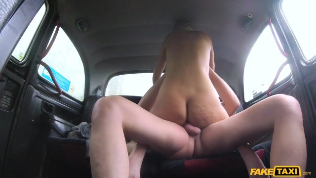 Karol Lilien deceived to have sex in Fake Taxi Video thumb #17