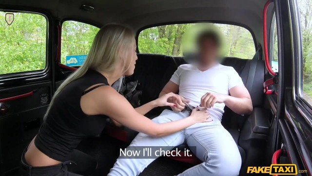 Karol Lilien deceived to have sex in Fake Taxi Video thumb #2