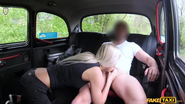 Karol Lilien deceived to have sex in Fake Taxi Video thumb #3