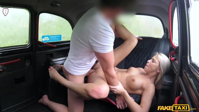 Karol Lilien deceived to have sex in Fake Taxi Video thumb #8