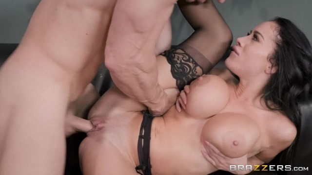 Busty Latina MILF Victoria June Has Fun With Johnny Sins' big cock