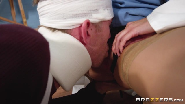 Ania Kinski - My doctor is a whore who loves 10 inch cocks Video thumb #2