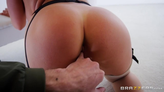 Russian Pornstar Alessandra Jane try to fit my big cock in her mouth Video thumb #19