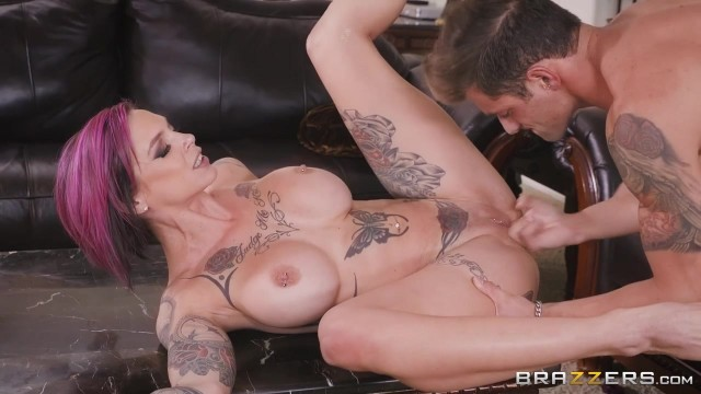 Anna Bell Peaks gets her pussy licked while playing playstation Video thumb #10