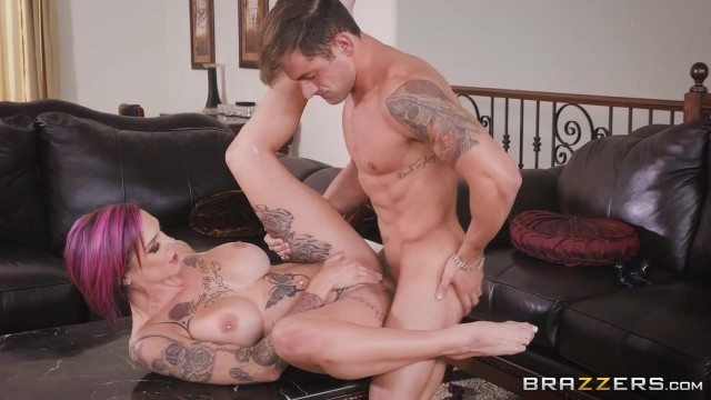 Anna Bell Peaks gets her pussy licked while playing playstation Video thumb #13