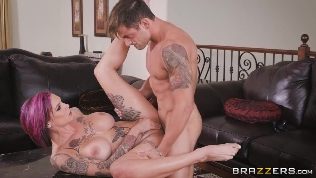 Anna Bell Peaks gets her pussy licked while playing playstation Video thumb #17