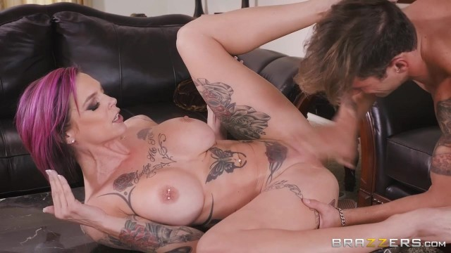 Anna Bell Peaks gets her pussy licked while playing playstation Video thumb #19