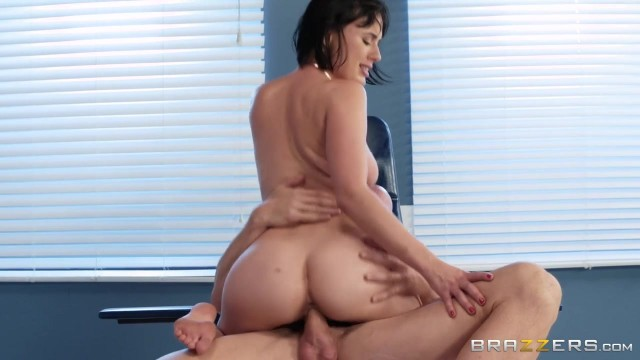 BRAZZERS Johnny Sins Bangs Sexy Brunette Olive Glass Video thumb #9