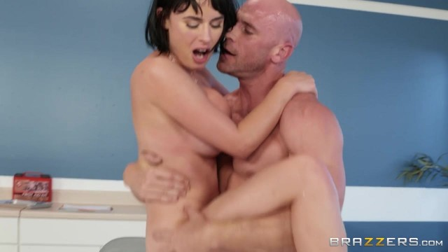 BRAZZERS Johnny Sins Bangs Sexy Brunette Olive Glass Video thumb #16