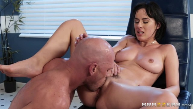 BRAZZERS Johnny Sins Bangs Sexy Brunette Olive Glass Video thumb #18