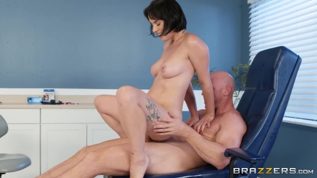 BRAZZERS Johnny Sins Bangs Sexy Brunette Olive Glass Video thumb #3