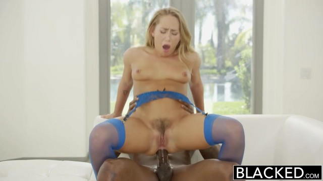 Carter Cruise gives sloppy blowjob before doggy sex for blacked Video thumb #18