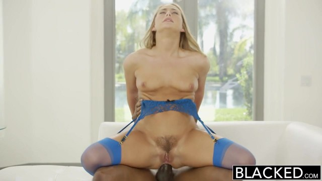 Carter Cruise gives sloppy blowjob before doggy sex for blacked Video thumb #19
