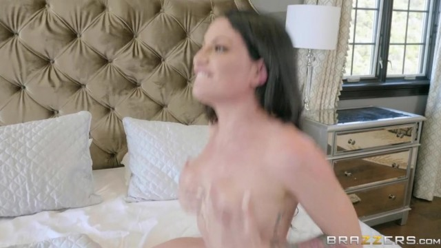 Showering His Wife With Attention featuring Kissa Sins & Keiran Lee Video thumb #2