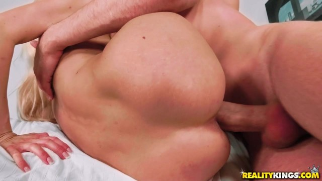 Irina Vega teases Alberto Blanco's big dick with a footjob and has threesome Video thumb #13
