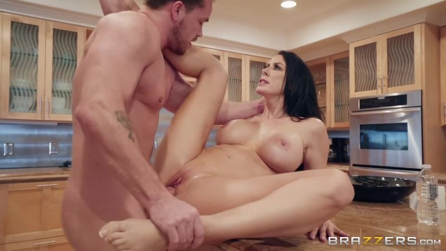 Sending Stepmom's Nudes with Kyle Mason and Reagan Foxx Video thumb #11