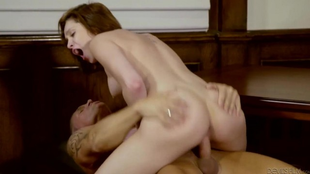 Aged Marcus London fucks Cadey Mercury young pussy Video thumb #15