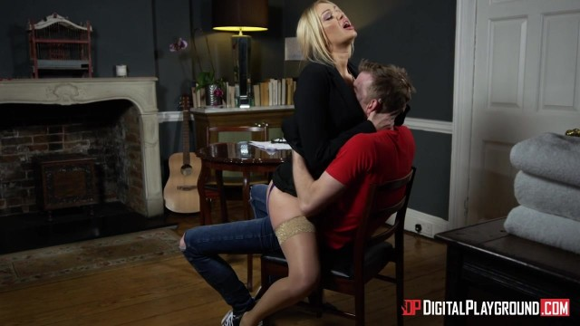 MILF Amber Jayne dicked by Danny D Video thumb #3