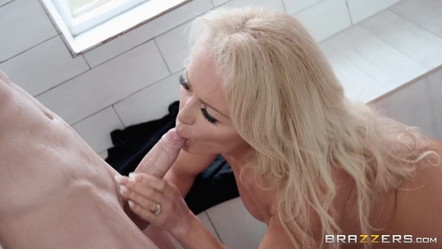 Busty blonde stepmom seduces her stepson Jordi in the shower room Video thumb #4