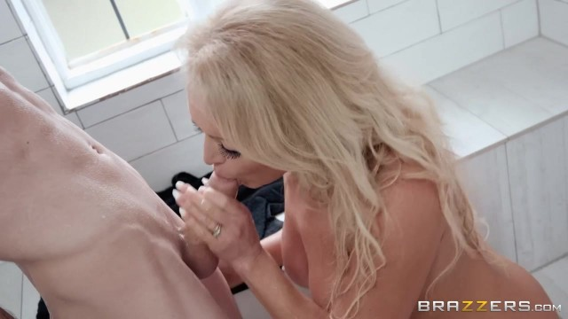 Busty blonde stepmom seduces her stepson Jordi in the shower room Video thumb #5