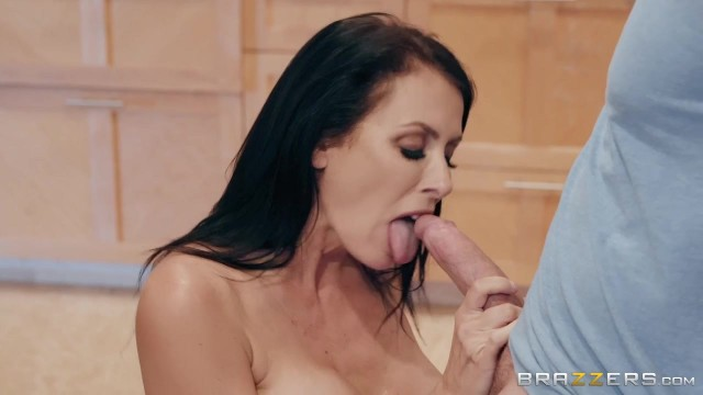 Mature Reagan Fox seducing with her Big Boobs Video thumb #4
