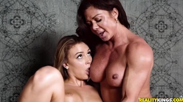 Lesbian Bodybuilder Nina Dolci plays with Zoey Taylor's clit Video thumb #12